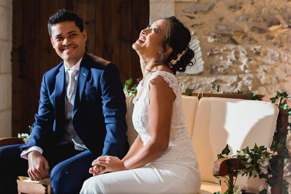 cérémonie laïque dans le chais mariage chateau eperonniere © Jérémy Fiori